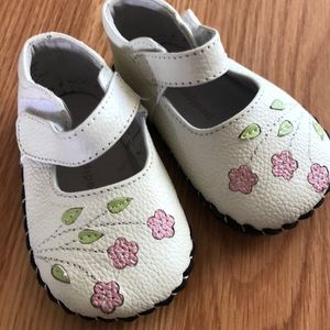 Pediped White Flower Mary Janes Size 0-6 Months